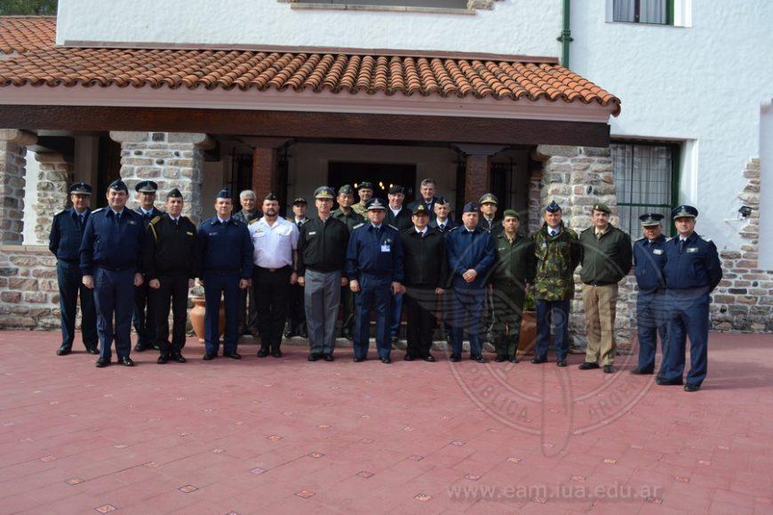 Visita de la Escuela de Guerra Conjunta de las FF.AA. y de Agregados Extranjeros