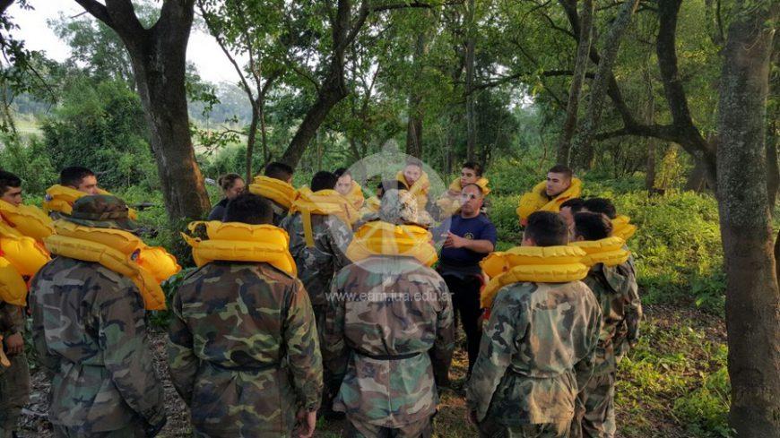 Cadetes de la EAM se entrenan en la Selva