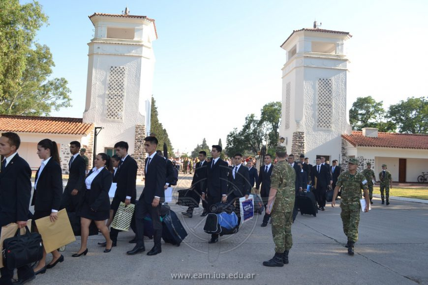 Cadetes de 1° Año iniciaron su formación como futuros Oficiales de la Fuerza Aérea Argentina
