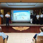 El Director de la Escuela Superior Militar de Aviación de la F.A.E. brinda una exposición.