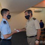 General de Brigada PALEO entrega diploma a Oficial egresado del CBCAM.