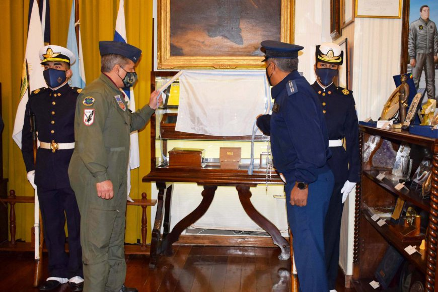Reliquias de la casa de un Héroe descansan en el Cuerpo de Cadetes de la E.A.M.