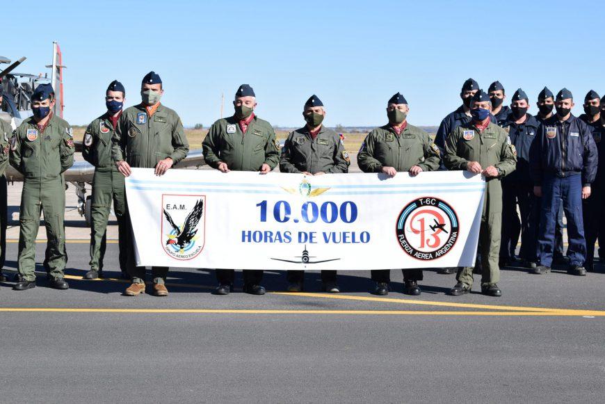 10.000 hs del Sistema de Armas Texan II en la E.A.M.